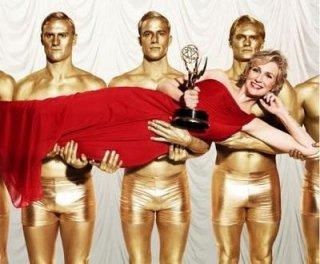 Jane Lynch in una foto promozionale per gli Emmy 2011