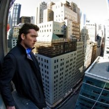 Sam Worthington in un'immagine distorta di Man on a Ledge