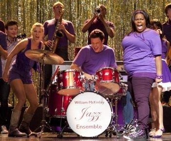 Amber Riley, Cory Monteith e Heather Morris in una scena dell'episodio The Purple Piano Project