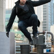 Jason Statham in una scena di Killer Elite