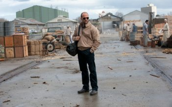 Jason Statham protagonista del film Killer Elite