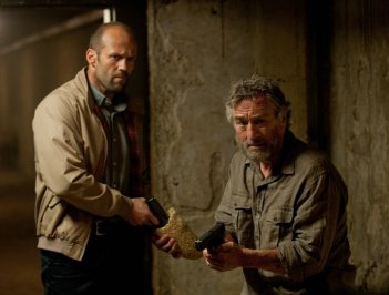 Robert De NIro e Jason Statham nell'action Killer Elite, del 2011