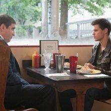 Taylor Lautner e Alfred Molina in Abduction