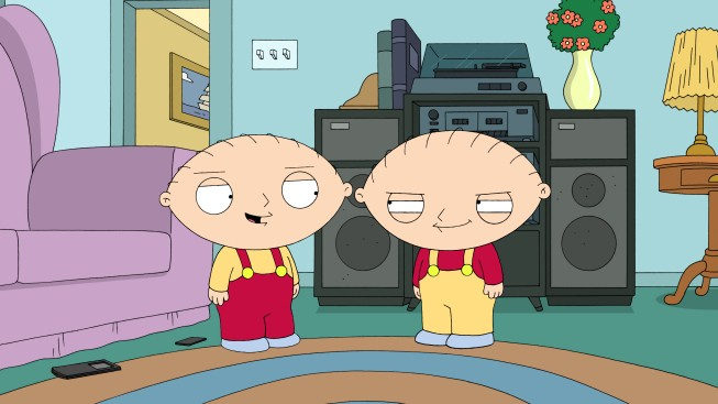 Stewie Con Il Suo Clone Cattivo In Una Scena Di The Hand That Rocks The Wheelchair De I Griffin 215922