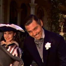 Clark Gable con Vivien Leigh in una scena del colossal Via col vento