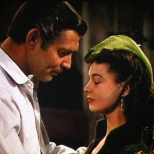 Clark Gable e Vivien Leigh in una scena di Via col vento