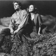 Laurence Olivier e Merle Oberon in una sequenza di Cime Tempestose