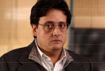 Massimo De Lorenzo in un'immagine della fiction Il signore della truffa
