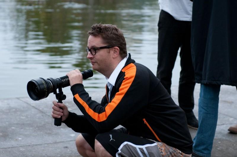 Nicolas Winding Refn sul set del suo film Drive (2011)