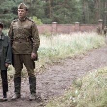 4 Days in May: Aleksei Guskov in una sequenza, accanto ad un giovane protagonista