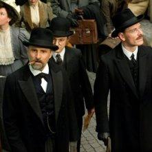 A Dangerous Method: Viggo Mortensen con Michael Fassbender in una scena