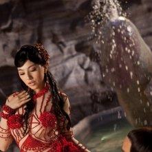 Sex and Zen 3D: una fanciulla accanto ad una fontana fallica