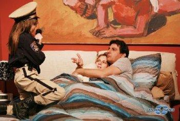 Tutti pazzi per amore 3: Emilio Solfrizzi e Antonia Liskova in una scena