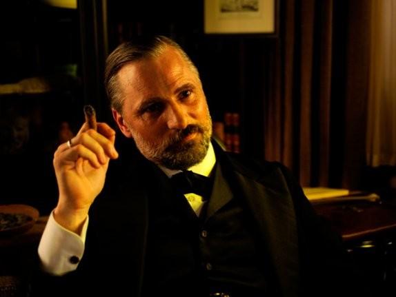 Viggo Mortensen è Sigmund Freud in A Dangerous Method