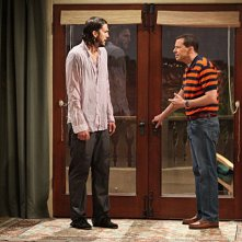Due uomini e mezzo: primo incontra tra Jon Cryer ed Ashton Kutcher nell'episodio Nice to Meet You, Walden Schmidt