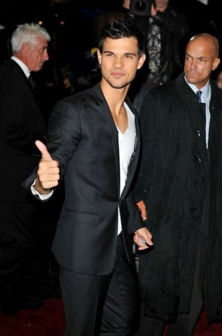 Abduction: Taylor Lautner alla premiere londinese del film