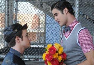 Chris Colfer e Darren Criss in una scena dell'episodio di Glee Asian F