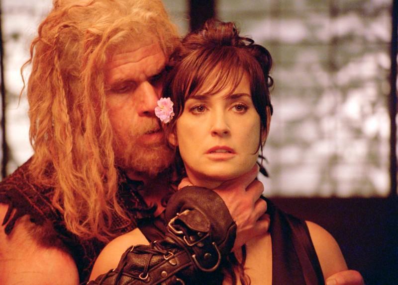 Demi Moore E Ron Perlman In Una Scena Del Film Bunraku 216614