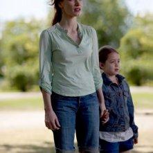 Jessica Chastain e Tova Stewart in un'immagine di Take Shelter