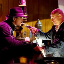 Josh Hartnett e Woody Harrelson in una scena del film Bunraku