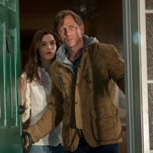 Rachel Weisz e Daniel Craig in una scena del film Dream House