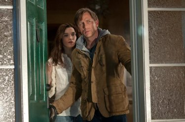 Rachel Weisz e Daniel Craig in una scena del film Dream House