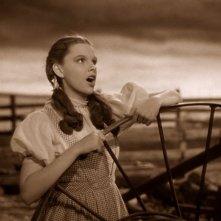Judy Garland in una scena de Il mago di Oz