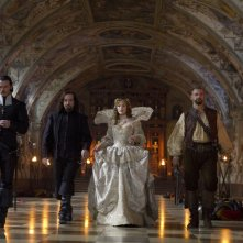 Luke Evans, Matthew Macfadyen, Milla Jovovich e Ray Stevenson in una scena de I tre moschettieri in 3D