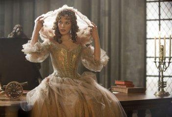 Una seducente Milla Jovovich ne I tre moschettieri in 3D