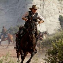 Cowboys & Aliens: una bellissima scena a cavallo per Harrison Ford