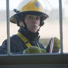 Frances McDormand in abiti da lavoro in una scena di This Must Be the Place