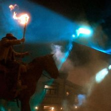 I cowboys in azione in una scena del film Cowboys & Aliens