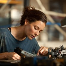Evangeline Lilly in Real Steel alle prese con una saldatura