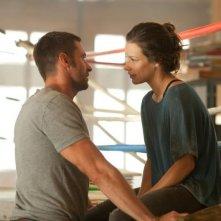Real Steel: Evangeline Lilly e Hugh Jackman in una sequenza