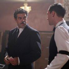 A sinistra, Pierfrancesco Favino in una scena della fiction Rai Il Generale Della Rovere