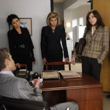 The Good Wife: Julianna Margulies, Christine Baranski, Lisa Edelstein e Matt Czuchry nell'episodio Colin Sweeney Agonistes