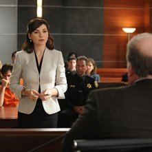 The Good Wife: Julianna Margulies in una scena dell'episodio Feeding the Rat