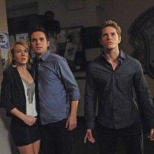 The Secret Circle: Britt Robertson, Thomas Dekker e Louis Hunter  nell'episodio Loner