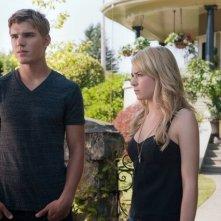 The Secret Circle: Chris Zylka e Britt Robertson nell'episodio Slither