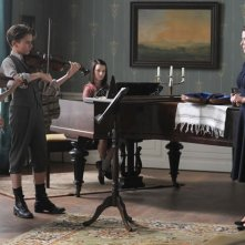 Wunderkinder: Elin Kolev, Mathilda Adamik, Imogen Burell, Gudrun Landgrebe in una scena del dramma storico