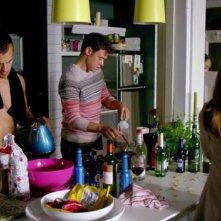 I fantasmi di Bedlam: Theo James e Will Young fanno colazione nel primo episodio 'Il dono di Jed'