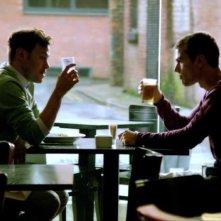 I fantasmi di Bedlam: Theo James e Will Young nel primo episodio 'Il dono di Jed'