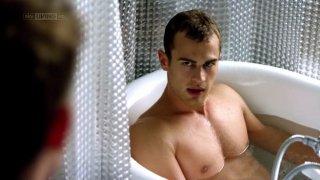 I fantasmi di Bedlam: Theo James in vasca nel primo episodio 'Il dono di Jed'