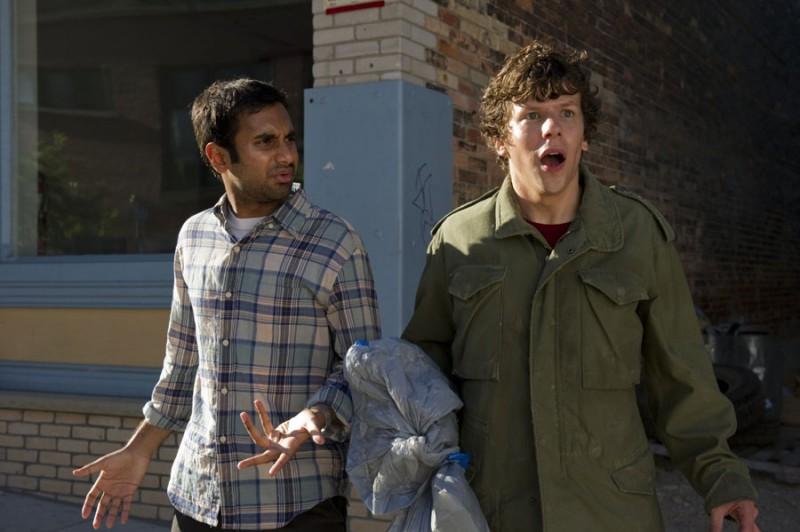 30 Minutes Or Less Jesse Eisenberg E Aziz Ansari In Una Scena Del Film 217698