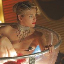Alessandra Pozzi nei panni della seducente Juliette in una scena di Matrimonio a Parigi