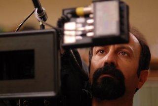 Asghar Farhadi sul set di Una separazione