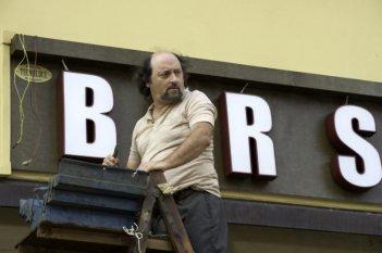 Bar Sport: Antonio Cornacchione in una scena della commedia di Massimo Martelli
