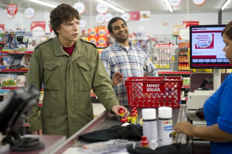 Jesse Eisenberg E Aziz Ansari In Una Scena Di 30 Minutes Or Less 217696