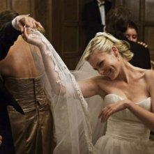 Kirsten Dunst e John Hurt in una scena di ballo in Melancholia
