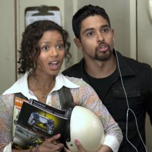 L'amore all'improvviso - Larry Crowne: Wilmer Valderrama e Gugu Mbatha-Raw in una scena del film